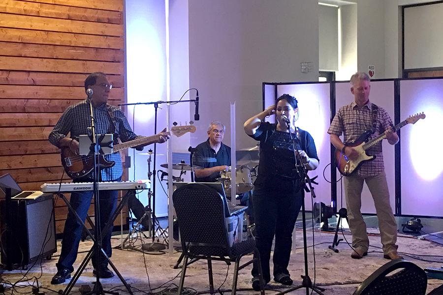 praise service band